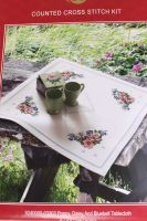 Summer Flowers - Table runner embroidery kit /Anchor 65 x 65 cm